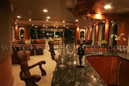 Party Yacht Bar