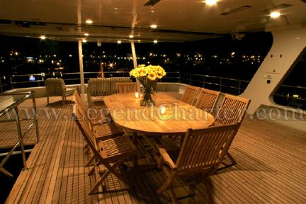 Party Yacht Deck