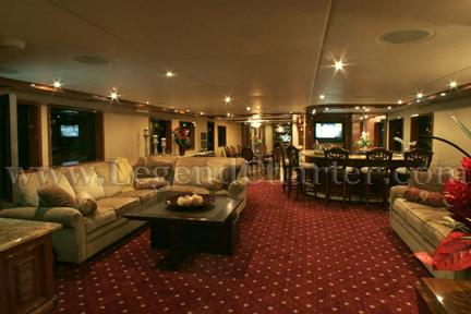 Party Yacht Lounge